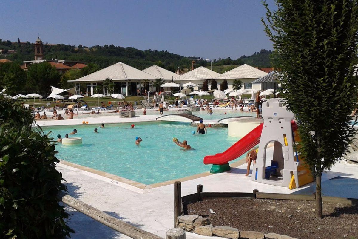 Piscine All Aperto Piemonte piscina estiva all'aperto di piobesi d'alba - rifresca la
